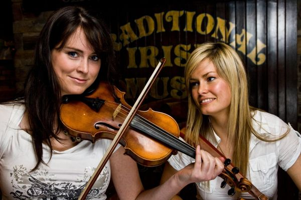 Blooms Hotel - Traditional Irish Musicians